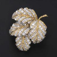 A FINE DIAMOND BROOCH, BY VAN CLEEF & ARPELS. sophiworldblog.com