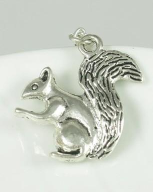 squirrel-pendant-lba.sophiworldblog.com