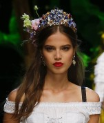 dolce-and-gabbana-summer-2017-women-fashion-show-runway-09