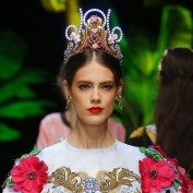 dolce-and-gabbana-summer-2017-women-fashion-show-runway-67