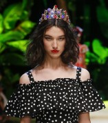 dolce-and-gabbana-summer-2017-women-fashion-show-runway-81