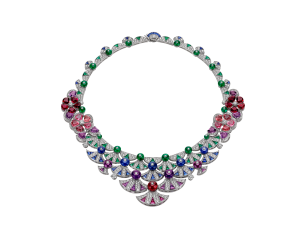 Divas dream nacklace Bulgari. Jewellery to wear on New Year's Eve. Read more on www.sophiworldblog.com