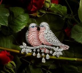 Graff Diamonds Birds Brooch. Valentine's Jewelllery. Read more on www.sophiworldblog.com